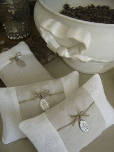 lavander sachets - beautiful easter gifts - have the dried lavender - need the stuff to make the bags.