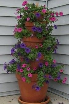 Stacked terra cotta planter tutorial... NICE