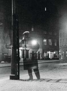 Vaclav Chochola - Noční chodec, 1949 From The process of photography