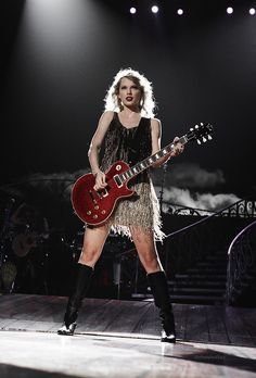 Taylor Swift and her guitar!