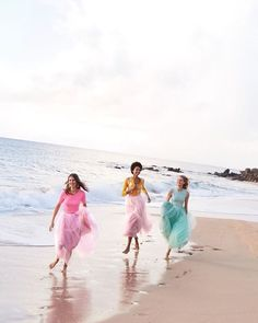 Cudowne @jcrew  #jcrew #summer #party #beach #sea #pink #girls #models #beauty #inspiration #harpersbazaar #harpersbazaarpolska  via HARPER'S BAZAAR POLAND MAGAZINE OFFICIAL INSTAGRAM - Fashion Campaigns  Haute Couture  Advertising  Editorial Photography  Magazine Cover Designs  Supermodels  Runway Models