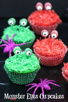 Monster Eyes Cupcakes - Cute Recipe idea for Halloween!
