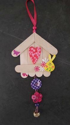 40 Easy DIY Spring Crafts Ideas for Kids - basteln - amazing craft Lolly Stick Craft, Ice Cream Stick Craft, Popsicle Stick Art, Popsicle Stick Crafts, Craft Stick Crafts, Fun Crafts, Craft Ideas, Diy Ideas, Resin Crafts