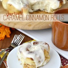 Lower Excess Fat Rooster Recipes That Basically Prime Warm And Gooey Shortcut Caramel Cinnamon Rolls Are Made With Frozen Bread Dough No Homemade Dough Required Breakfast Recipes, Dessert Recipes, Desserts, Yogurt Breakfast, Breakfast Bars, Free Breakfast, Breakfast Dishes, Breakfast Casserole, Dessert Ideas