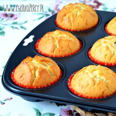Kruche babeczki waniliowe New Recipes, Baking Recipes, Mini Pies, Christmas Baking, Sweet Treats, Good Food, Food Porn, Sweets, Pasta