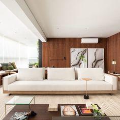 Sofás modernos: 80 modelos cheios de estilo e conforto para a sala - LIVING - Comfortable Living Room Chairs, Living Room Sofa, Home Living Room, Sofa Furniture, Furniture Design, Wooden Sofa Designs, Clean Sofa, House With Porch, Minimal Decor