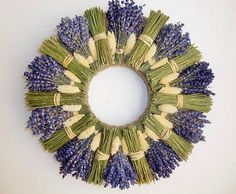 Lavender Decor, Lavender Crafts, Lavender Wreath, Lavender Flowers, Dried Flowers, Wreath Crafts, Diy Wreath, Flower Crafts, Deco Floral