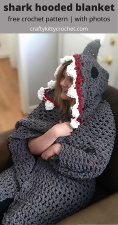 Crochet Hooks, Free Crochet, Funny Crochet, Crochet Baby, Crochet Blanket Patterns, Crochet Afghans, Crochet Shark Blanket, Afghan Patterns, Knit Patterns