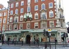 Fortnum and Mason, London. I like the food hall here even better than Harrods as it is a more manageable, and their packaging is oh so British! I had lunch with a friend and we both had Welsh Rarebit, soooo good, I'm surprised our hearts kept ticking. Love this venerable institution.