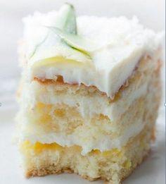 Пина Колада - вкуснейший экзотический торт из ананасов и кокосовой стружки, дополнение к коктейлю Пина Колада. Бисквитный торт - ингредиенты. Как готовить.