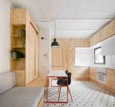 """Rehabilitación de una antigua finca compuesta por doce apartamentos """"cuartos de casa"""", de losclásicos pisos de la Barceloneta."""