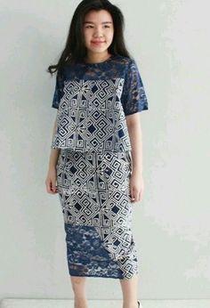 Yg ini dasar kain ny brp mbk Model Dress Batik, Batik Dress, Lace Dress, Batik Fashion, Ethnic Fashion, African Fashion, Batik Blazer, Blouse Batik, African Wear