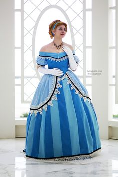 Cosplay based on CLAIRE HUMMEL's historically accurate Disney Princesses!!! I loooove the dress.