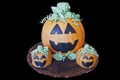 Halloween pumpkin cakes.  Gâteaux citrouilles Halloween.