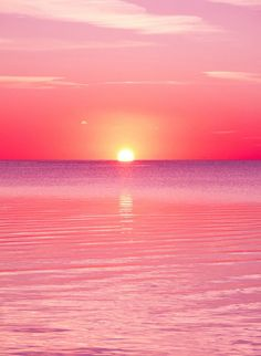 1544 Pink Sunset IPhone wallpaper Source by athenaislefort Sunset Iphone Wallpaper, Wallpaper Backgrounds, Laptop Wallpaper, Pink Ocean Wallpaper, Beach Sunset Wallpaper, Amazing Wallpaper Iphone, Wallpaper Samsung, Wallpaper Ideas, Beautiful Sunset