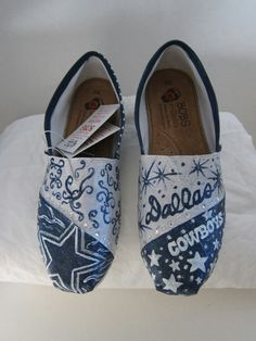 Hand Painted Dallas Cowboys shoes by PaintedDreamsbyDS😘 Dallas Cowboys Shoes, Dallas Cowboys Football, Cute Shoes, Me Too Shoes, Denver Broncos Womens, Cowboy Girl, Cowboy Baby, Camo Baby, Painted Canvas Shoes