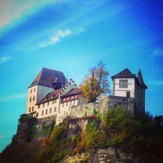 #burgdorf #schloss #castle #switzerland #herbst #fall by niggschi