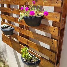 Vertikal Garden, Porche, Hanging Planters, Dream Garden, Pallet Furniture, Pallet Projects, Holidays And Events, Backyard, Plants