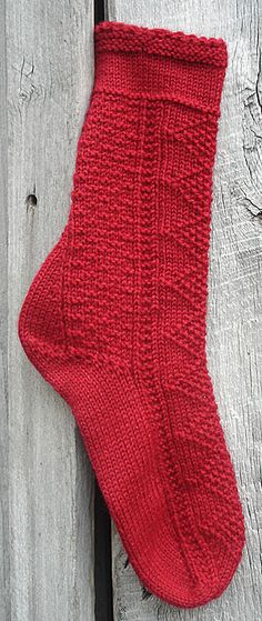 Sock Workshop... free pattern & 7 lessons which lead you through the pattern in small steps