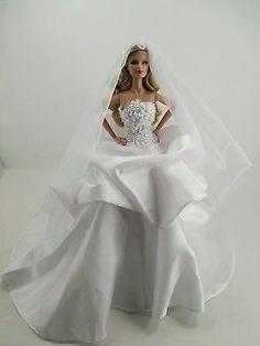 Handcrafted-Outfit-Wedding-gown-with-veils-Dress-fashion-Royalty-35-32