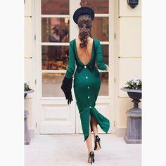 Beauty beyond any words. Dress PIERRE available at cherubina.com #fashion #elegance #openback #openbackdress #fashionblog #designideas #inspiration #green #outfit #weddingguest #occasionwear #womensfashion #details