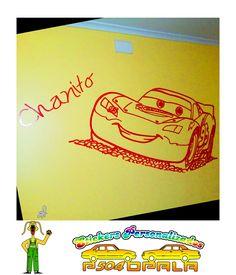 "Sticker mural ""Rayo McQueen"" y nombre ""Chanito"""