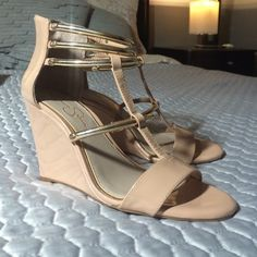 Nude Jessica Simpson shoes Worn once super cute and comfy Jessica Simpson Shoes