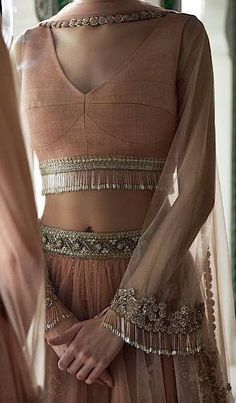 Trendy Indian Bridal Shower Outfits Ux Ui Designer Source by roytojoy outfits indian Lehenga Designs, Saree Blouse Designs, Sharara Designs, Sari Blouse, Indian Attire, Indian Wear, Indian Blouse, Indian Dresses, Indian Outfits