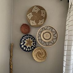 Set of three African Baskets for Wall Hanging. Rwanda Baskets Set of three African Baskets for Wall Hanging. Home Decor Baskets, Basket Decoration, Baskets On Wall, Decorative Wall Baskets, Hanging Baskets, Basket Weaving, Hand Weaving, Gift Baskets For Women, Boho Living Room