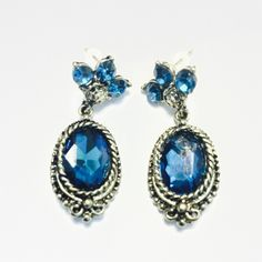 "Gorgeous blue and antique gold earrings  4/6 Work Week Chic HP @nicolieolie90  Make an elegant statement without saying a word with this elegant earrings. 1 1/2"" length. Fashion jewelry Jewelry Earrings"
