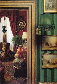 Oscar de la Renta's New York apartment. From: House & Garden, December > Photo by Oberto Gili. Victorian Interiors, Victorian Decor, Victorian Homes, Victorian Parlor, French Interiors, Elegant Home Decor, Elegant Homes, Décor Antique, Fru Fru
