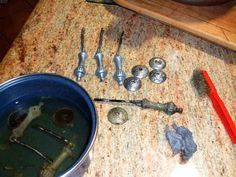 limpieza de metales y herrajes de muebles, casera y sencilla, así como latón, bronce y acero inoxidable.