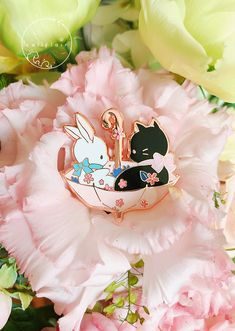 April CaliPin, umbrella buddies ☂ The pin features cute cat & bunny duo bathed in soft, pink spring vibes in an umbrella! Winter Cat, Bag Pins, Artist Alley, Luanna, Acrylic Charms, Cool Pins, Animal Ears, Metal Pins, Pin And Patches