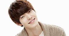 Kim Woo Bin Hospitalized After Suffering Knee Injury While Filming New Movie - get better soon :(