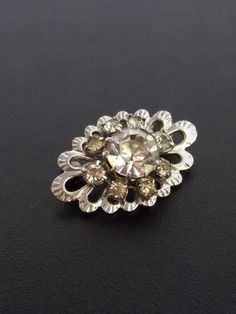 Hey, I found this really awesome Etsy listing at https://www.etsy.com/ru/listing/507638708/vintage-broochvintage-small