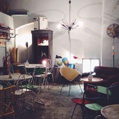 #amblé #firenze #amble Florence City, Secret Places, Tuscany, Restaurant, Mirror, Travel, Furniture, Home Decor, Viajes
