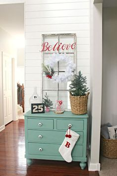 Como decorar entradas esta navidad 2017 http://cursodeorganizaciondelhogar.com/como-decorar-entradas-esta-navidad-2017/ #Comodecorarentradasestanavidad2017 #comodecorarlacasaennavidad #decoraciónnavideñadeentradas #ideasdenavidad #ideasparanavidad #navidad #Navidad2017