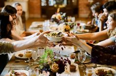 3 Reasons To Consider A Family-Style Wedding Menu
