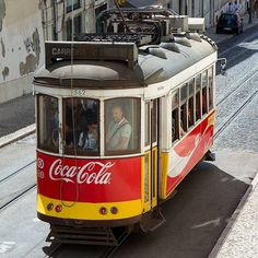 #tram28 #tram #tramway #lisbon #lissabon #lisbonne #p3top #portugalalive #portugalcomefeitos #vsco_pt #vscocam #vsco #vscolisbon #iglx #iglisboa #igerslisboa #igerslx #porto #urbanphotography #photography #streetphotography #publicidade #cocacola #publictransportation #super_lisbon #lisboa
