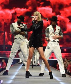 Taylor performing Blank Space during the 1989 World Tour in Ottawa 7.6.15