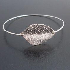 #Pulsera de #plata inspirada en la #naturaleza.Para no olvidarnos de las hojas esta #primavera y a su vez ir elegante en #joyería