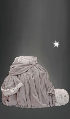 #ChristmasCouture * #luxurylifestyle #dogbed #catbed  #petbed #canopybed #christmasdog * #Weihnachtshund #Luxus #Hundebett #Weihnachtscouture #Weihnachtsbett