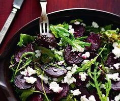 Lämmin punajuurisalaatti Vegetarian Food, Food To Make, Foodies, Salads, Food And Drink, Sweets, Vegan, Baking, Book