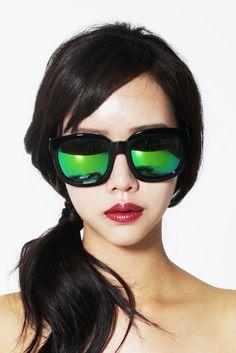 이태리 하우스브랜드 프랭크헤리티지에서 미러선글라스가 새롭게 입고 되었어요.  Frenkheritage sunglasses