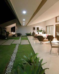 40 Fabulous Modern Garden Designs Ideas For Front Yard and Backyard – front yard design modern House Designs Exterior, Patio Design, Modern Front Yard, Modern Garden, Front Yard Landscaping, Modern House Design, Garden Room, Minimalist Garden, House Exterior