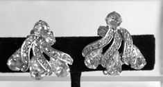 Vintage Art Deco Clear Rhinestone Earrings, Clear Swirl Design Earrings, Vintage Clear Rhinestone Clipons, Vintage Wedding Bridal Earrings