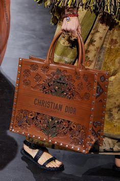 Christian Dior Paris, Versace, Prada, Vogue Paris, Dior Fashion, Paris Fashion, Vogue Fashion, Fashion Brands, Classic Handbags