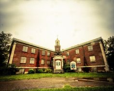 Inside Rolling Hills Asylum: Creepy photos show tours of haunted NY building | 						NewYorkUpstate.com