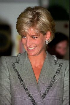 April 22, 1997: Diana, Princes of Wales visits St. Mary's Hospital for the Cosmic Charity on Behalf of the Pediatric Intensive Care Unit in Paddington, London.  Image: © GRAHAM TIM/CORBIS SYGMA