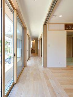 回廊の広縁。玄関から応接間へ。平屋インテリア実例。#平屋 #デザイン住宅 #おしゃれ #健康住宅 #空気がきれい #玄関 #新築 #新築一戸建て #タチ基ホーム #名古屋 #愛知
